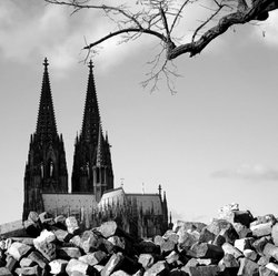 Cologne Cathedral was not build in a day..